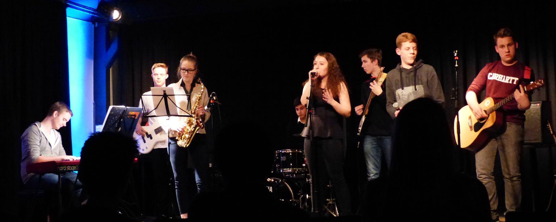 """GAG-COMBO Brillierte Beim Bandshop Im """"Wilhelm 13"""" Vor Internationalem Publikum"""