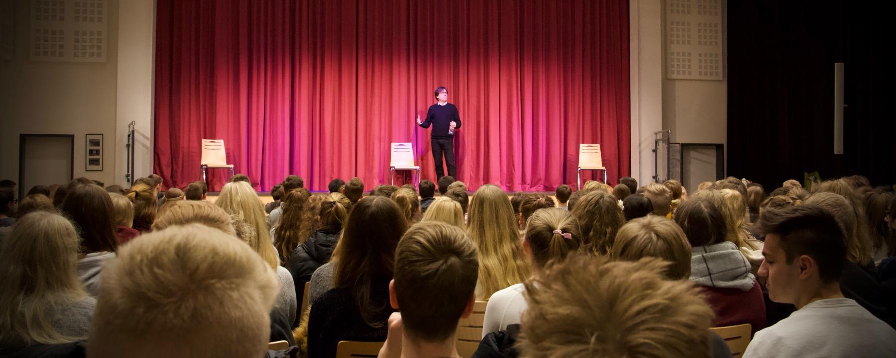 Rasendes Publikum Bei Shakespeare Und Spottiswoode