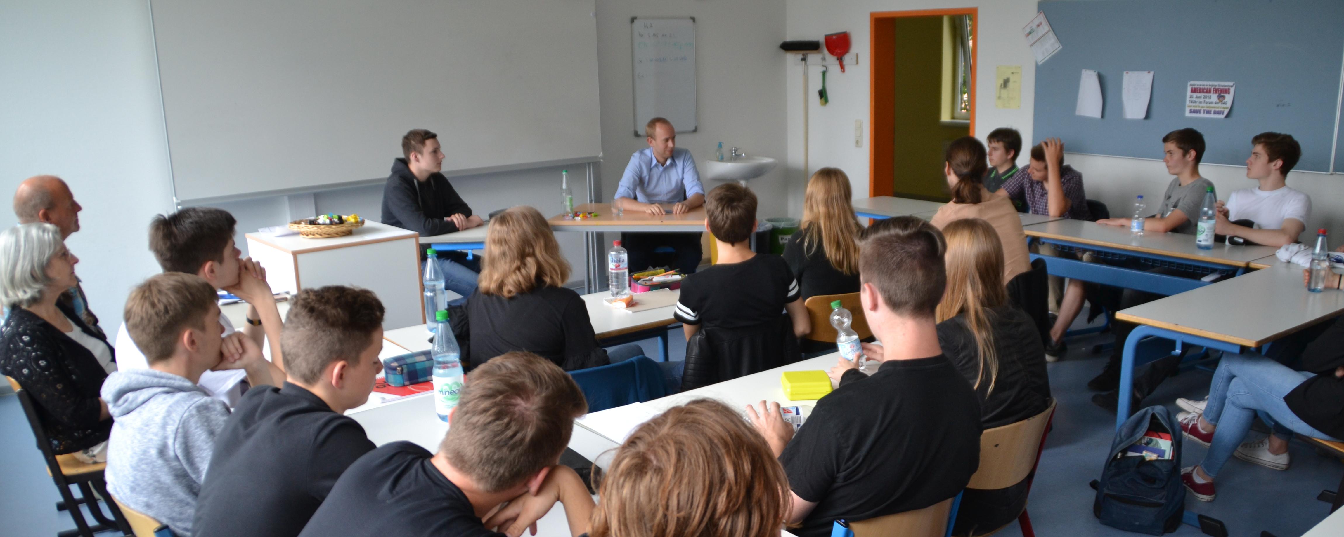 Besuch Dennis Rohdes an der Graf-Anton-Günther Schule