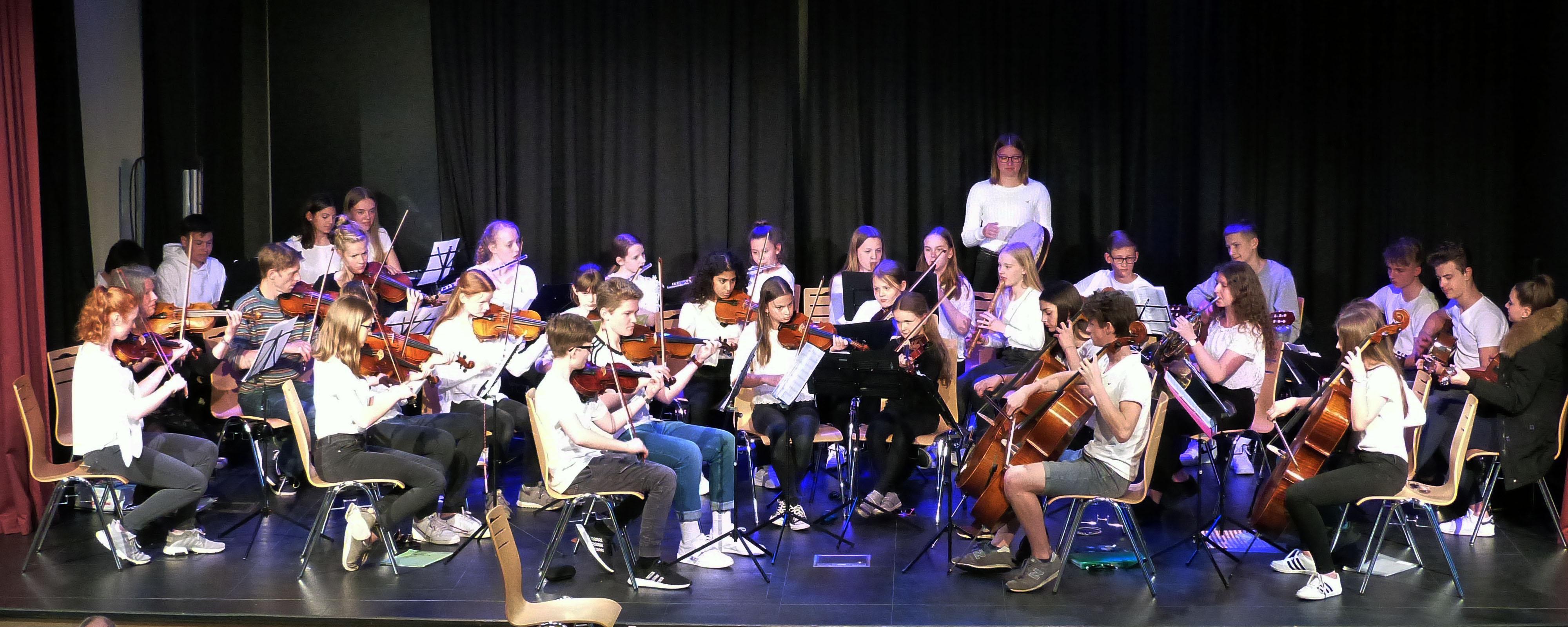 Orchester- Und Big Band Konzert Im Forum Der GAG